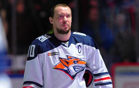 Хоккеист «Магнитки» Мозякин продлил договор склубом надва года