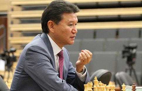 Илюмжинов отказался от борьбы за пост президента Российской шахматной федерации