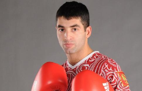 Русский боксёр Михаил Алоян защитил титул интернационального чемпиона WBA
