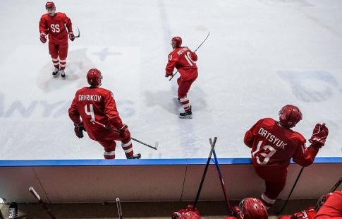 Американские хоккеисты выиграли 1-ый матч врамках Игр