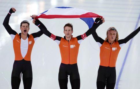 Тренер французских конькобежцев предлагал голландцам провести договорной забег вСочи