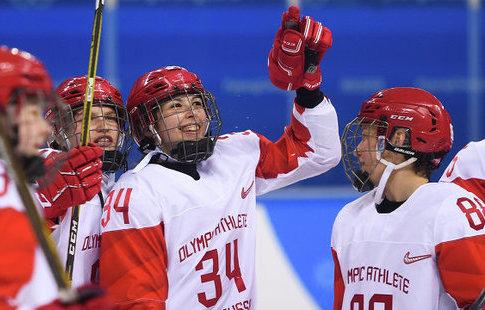 Русские хоккеистки проиграли канадкам вполуфиналеОИ