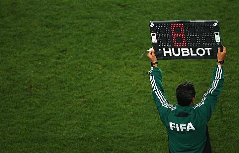 УЕФА хочет ввести четвертую замену