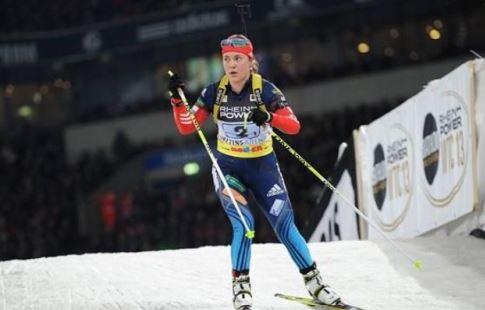 Франция выиграла дамскую биатлонную эстафету вХолменколлене, РФ - девятая