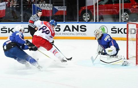Хоккеисты сборной США обыграли чехов ивышли вполуфинал чемпионата мира