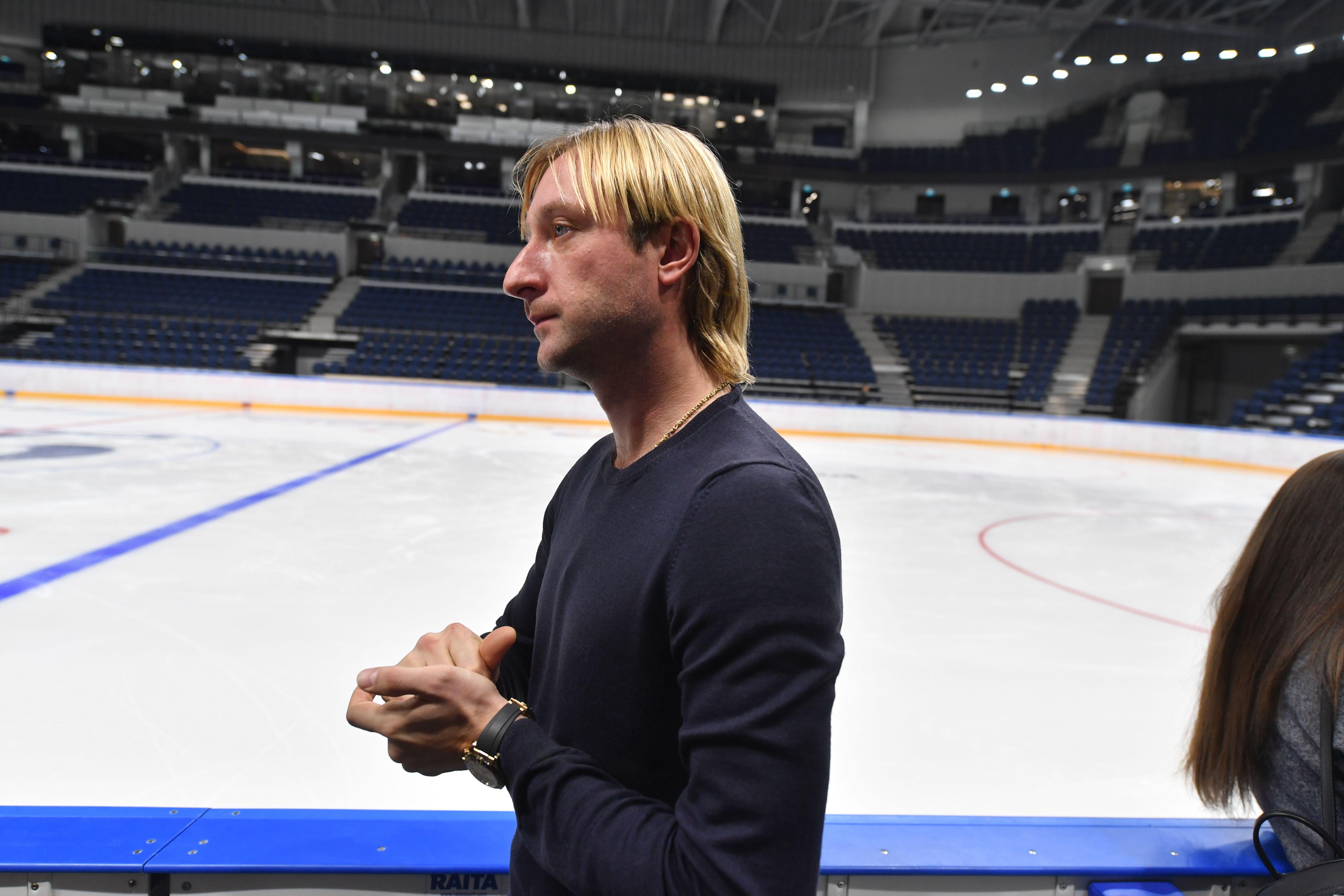 Плющенко показал, что такое энергичная разминка для фигуристов. ВИДЕО