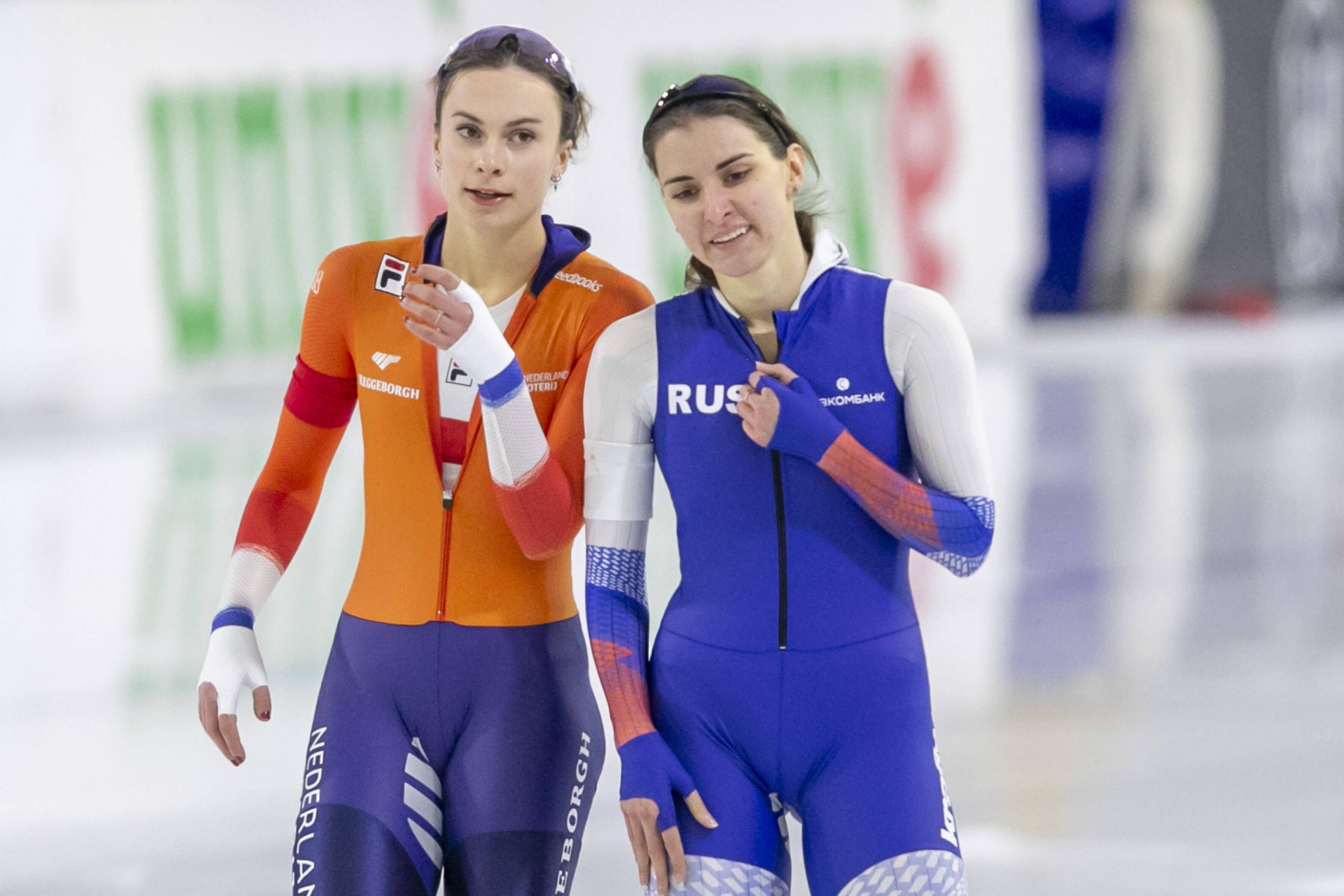 Момент дня: в честь победы россиянок на ЧМ-2021 по конькобежному спорту прозвучал фрагмент концерта Чайковского. ВИДЕО