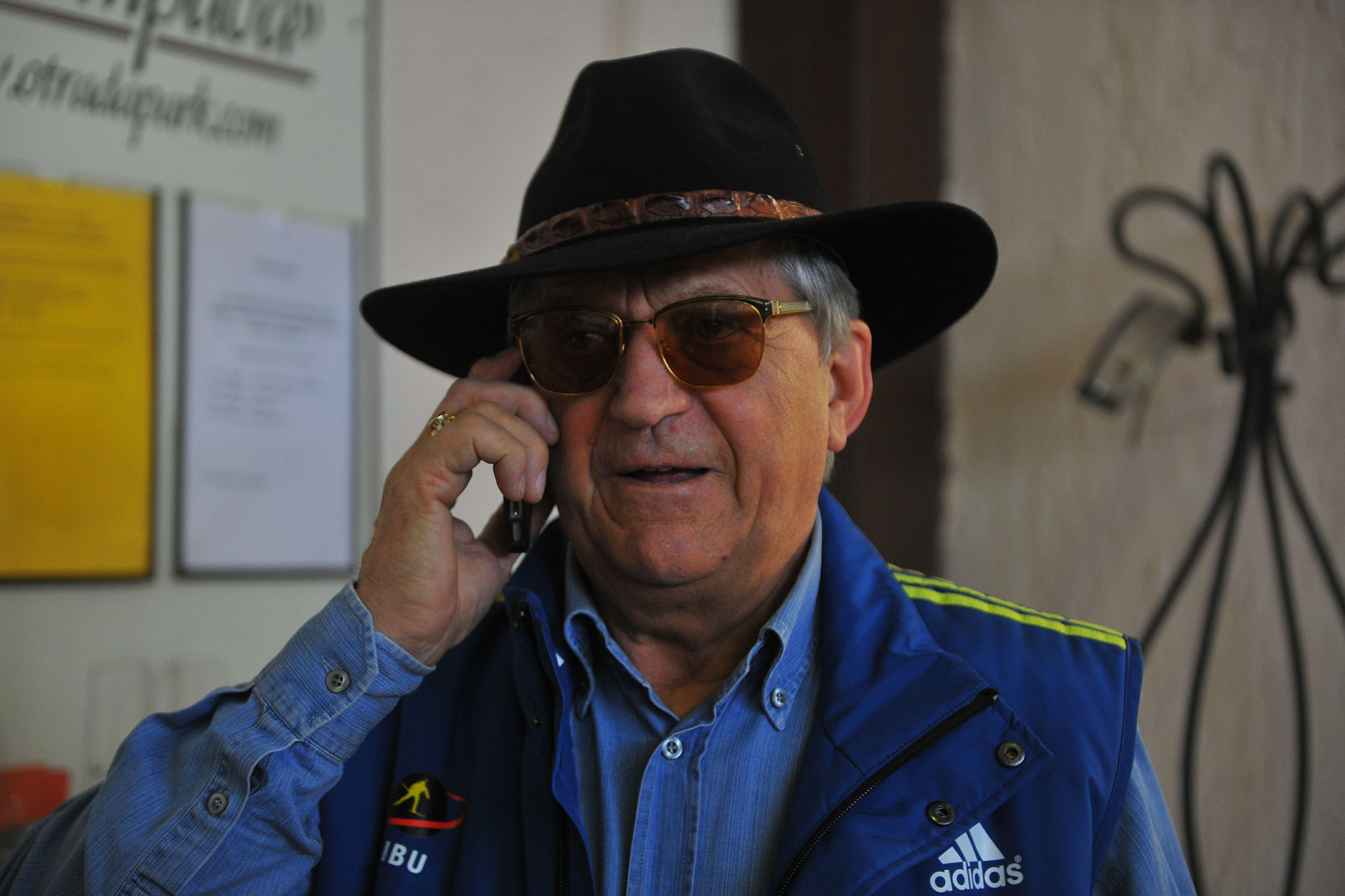Тихонов резко отреагировал на то, что российские биатлонистки лишились максимальной квоты на Кубке мира