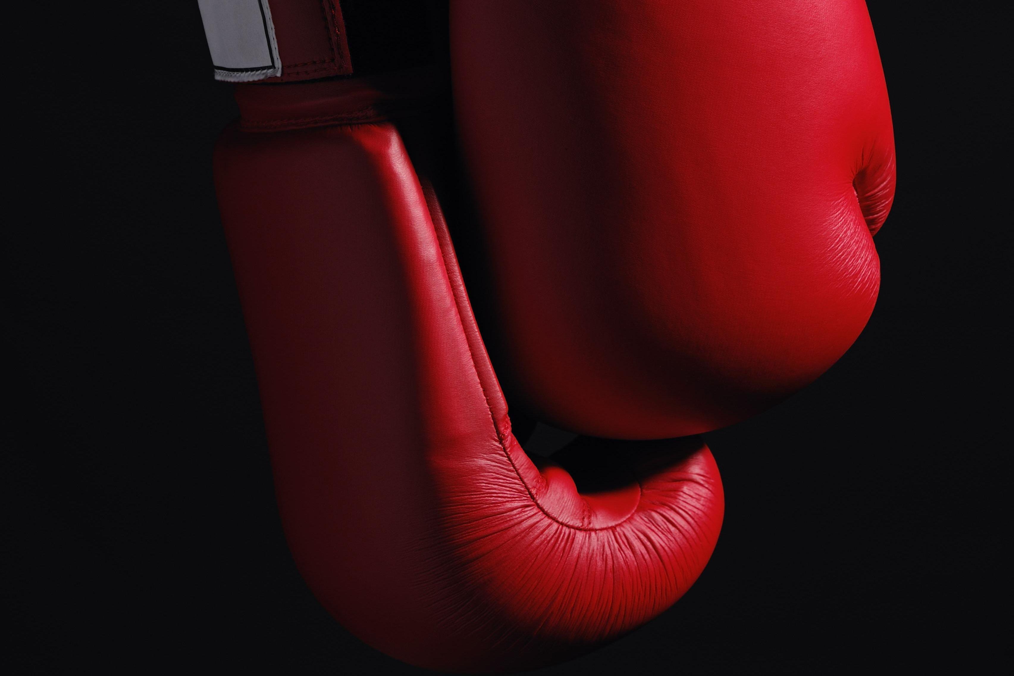 Тим Цзю нокаутировал Хогана и защитил титул чемпиона по версии WBO Global. ВИДЕО