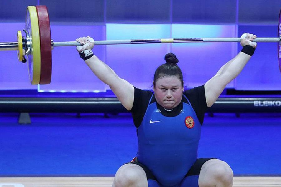 Ахмерова принесла России первое золото на ЧЕ-2021 по тяжёлой атлетике