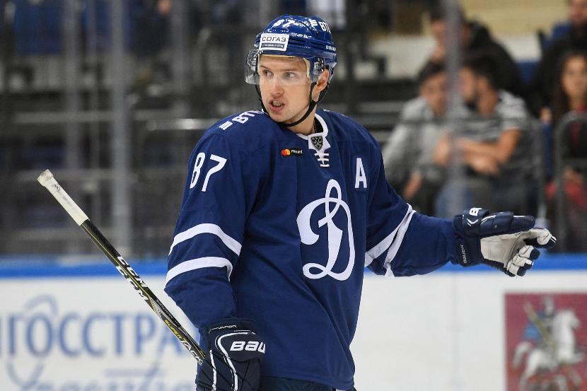 Динамо продлило контракт с Шипачёвым