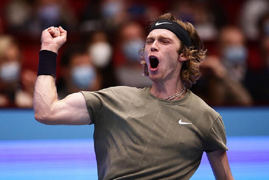 Рублёв пробился в третий круг турнира в Мадриде