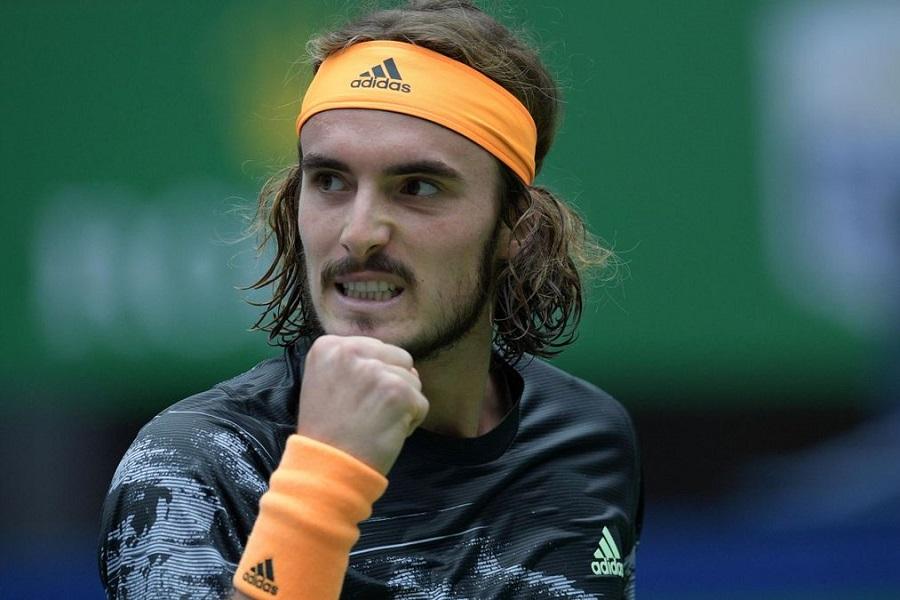 Циципас вышел в финал турнира в Лионе
