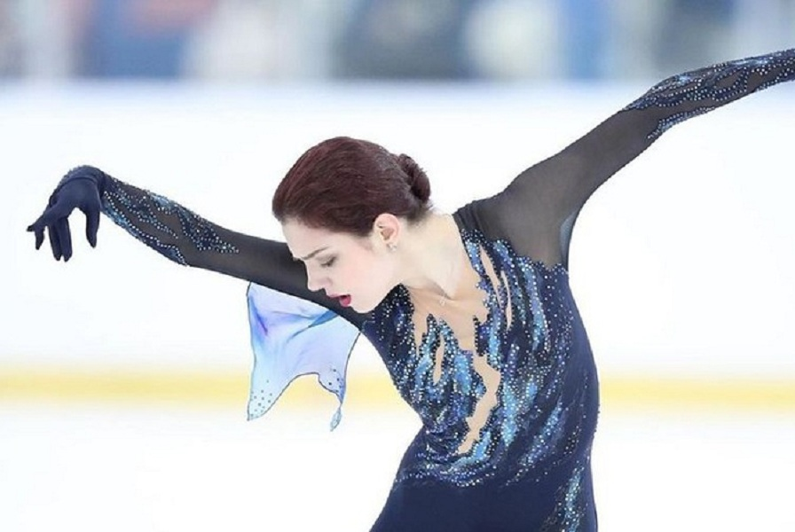 Медведева показала, как танцует под музыку из аниме (ВИДЕО)