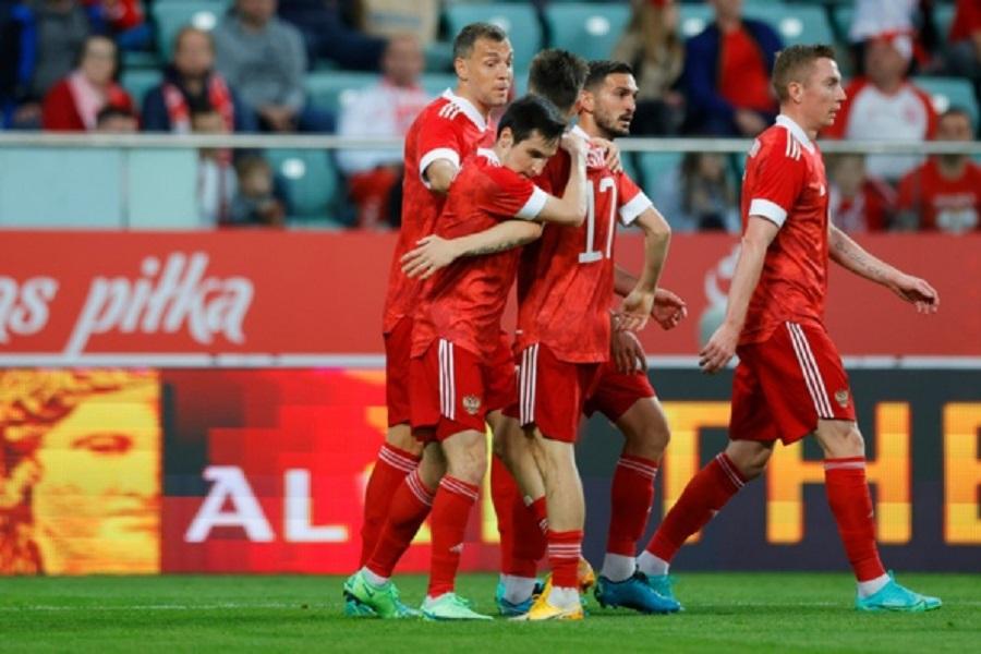 Болгарские болельщики - о матче с Россией: Русские - это больше силовой футбол. Ужасная игра!