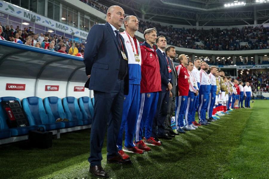 Бышовец считает, что Черчесова нужно было оставить у руля сборной России