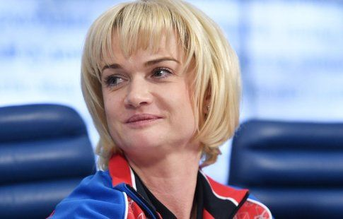 Хоркина назвала исторической победу гимнасток в командном многоборье: Как мы долго ждали золотую медаль!