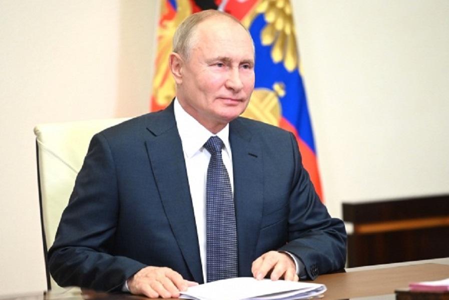 Путин поздравил Сидакова с победой на Олимпиаде-2020
