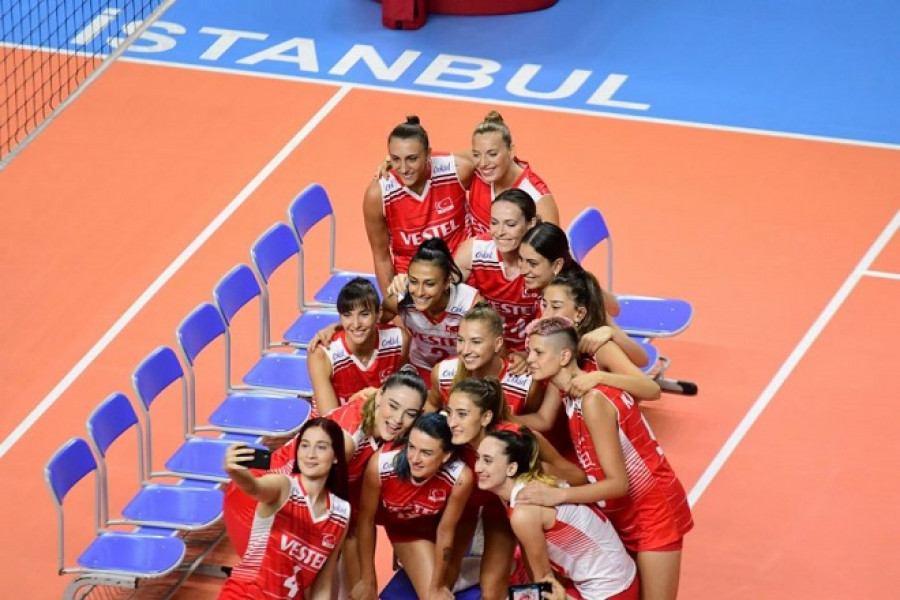 Сборная Турции вышла в полуфинал чемпионата Европы среди женщин