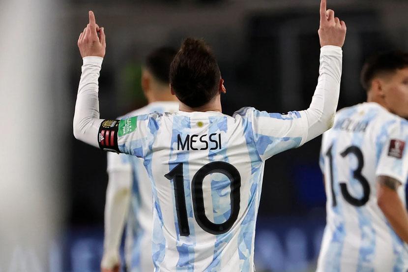 Месси благодаря хет-трику в ворота Боливии побил рекорд Пеле. ВИДЕО