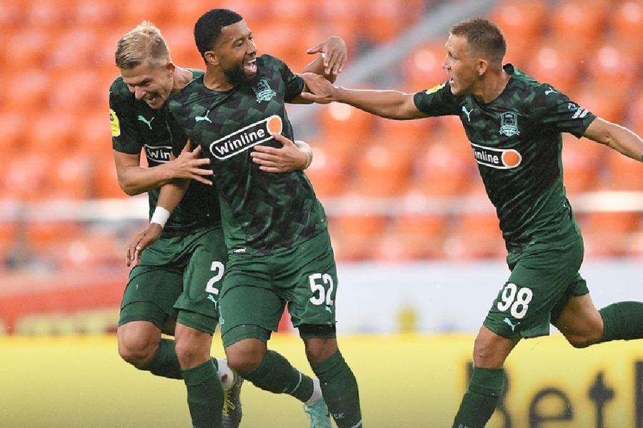 Краснодар вышел на первое место в группе Кубка России, обыграв Ленинградец