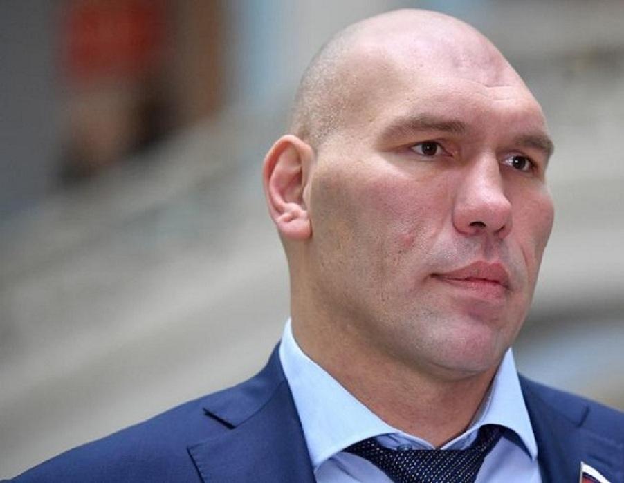 Валуев призвал не торопиться с выводами после резонансной шутки Нурмагомедова