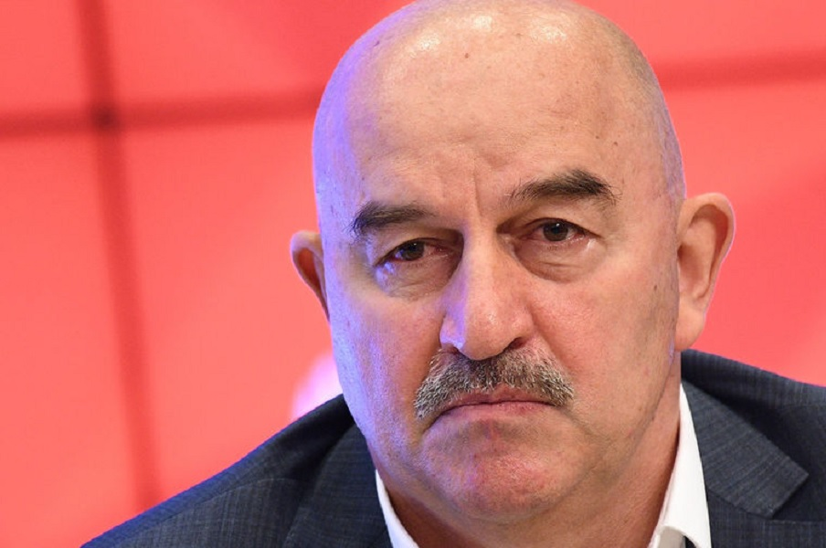Черчесов высказался о ситуации с капитанской повязкой в сборной России при Карпине