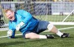 """Вратарь """"Саттон Юнайтед"""" пропылесосил скамейку запасных перед игрой с """"Арсеналом"""""""