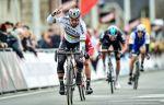 """Саган ударил локтем Кэвендиша на финишной прямой четвёртого этапа """"Тур де Франс"""". ВИДЕО"""