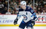 """Форвард """"Виннипега"""" Шайфли признан первой звездой дня в НХЛ"""