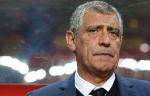 Федерация футбола Португалии оставила Сантуша на посту главного тренера сборной