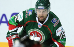 Зарипов повторил рекорд по числу матчей в чемпионатах России по хоккею
