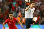 Министр спорта Франции призвала УЕФА наказать турецких футболистов