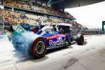 """Уэббер призвал """"Феррари"""" переехать в Великобританию, чтобы вновь бороться за победу в Формуле-1"""