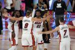 """НБА: """"Майами"""" обыграл """"Милуоки"""", """"Хьюстон"""" выиграл серию с """"Оклахомой"""". ВИДЕО"""