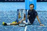 Путин поздравил Даниила Медведева с победой на Итоговом турнире ATP
