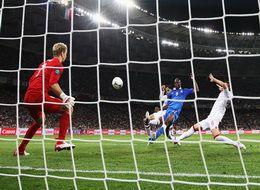 """Евро-2012. Глумление над классикой или """"Долой стереотипы"""""""