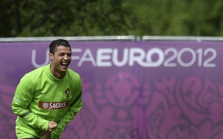 Евро-2012. Криштиану Роналду против всех
