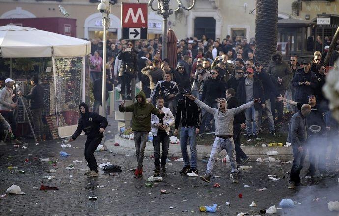 """Фанаты """"Фейеноорда"""" получили тюремные сроки за беспорядки в Риме"""