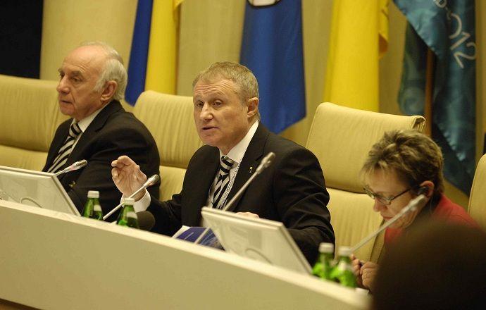 На выборах главы ФФУ замечены попытки подкупа делегатов