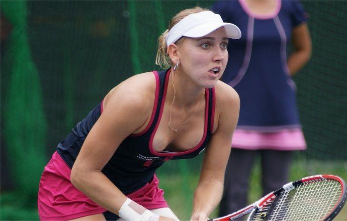 Елена Веснина отказалась продолжать матч на турнире в Дохе
