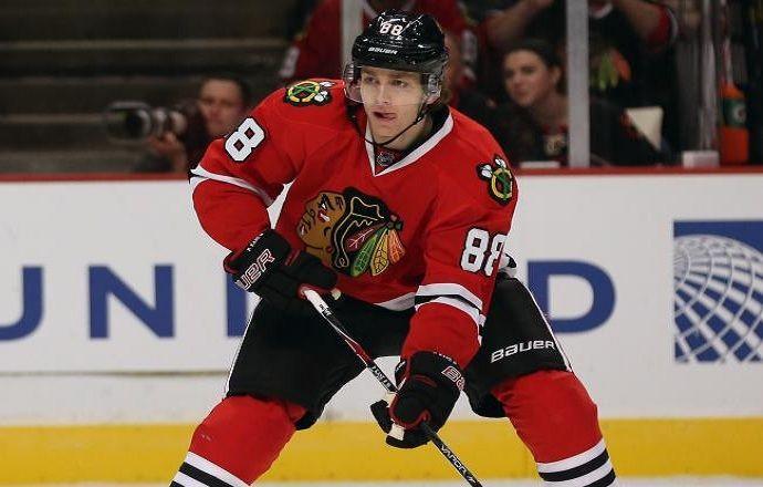 Лучший бомбардир НХЛ Патрик Кейн пропустит три месяца