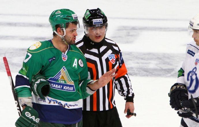 Евгений Ромасько будет первым российским судьей в НХЛ