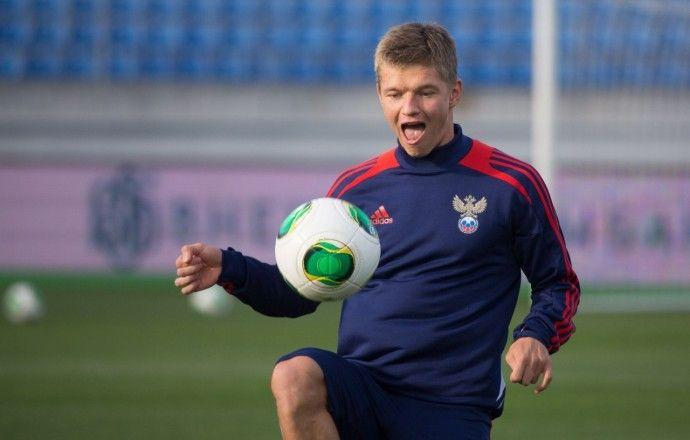 Шатов и Денисов не смогли закончить тренировку сборной России