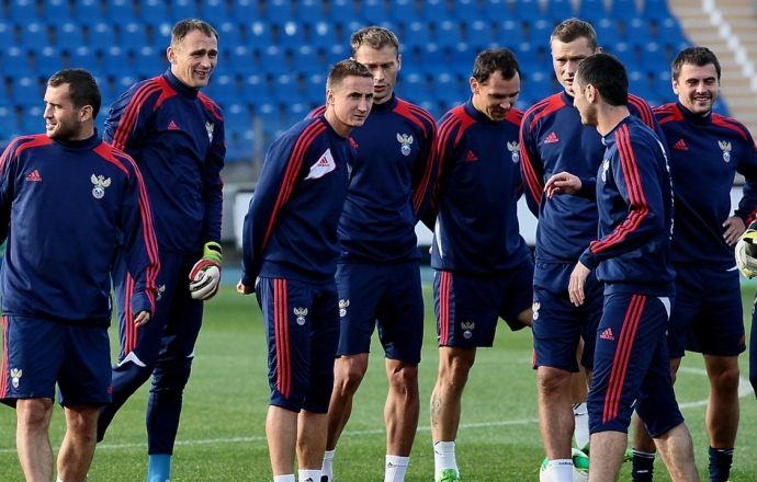 Стал известен стартовый состав сборной России на матч с Казахстаном