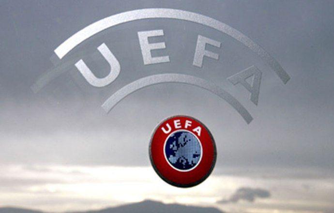 УЕФА рассмотрит инциденты на матче Россия — Черногория 8 апреля