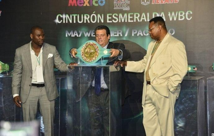 WBC изготовил пояс с тремя тысячами изумрудов для боя Мейвезер - Пакьяо