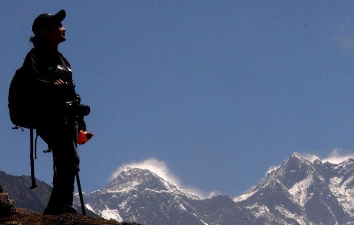 Группа российских альпинистов вышла на связь из Непала