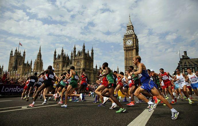 Кениец Элиуд Кипчоге одержал победу на Лондонском марафоне