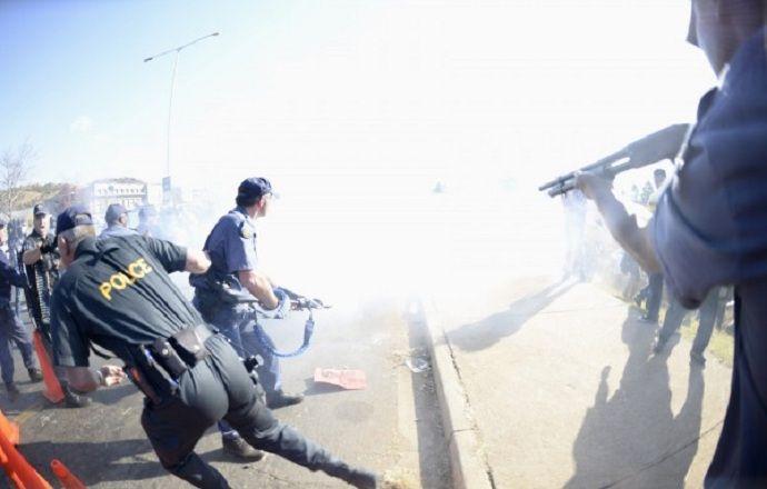 В ЮАР полицейский застрелил болельщика